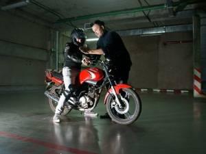 Как происходит обучение вождению мотоцикла в мотошколах Москвы?
