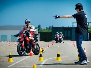 Обучение на права для управления мотоциклом: чему вас научит мотошкола?