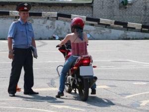 Сдать права на мотоцикл: как проходит экзамен в ГИБДД