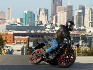 Как научиться водить мотоцикл в городских условиях