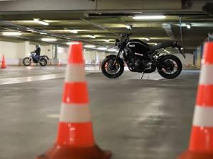 Учитесь управлению мотоциклом на лицензированной площадке!
