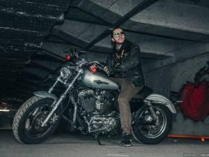 Зачем учиться водить мотоцикл под мостом?